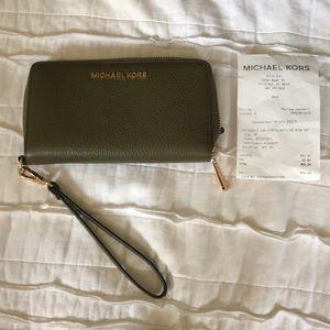 Michael Kors leather wrist wallet